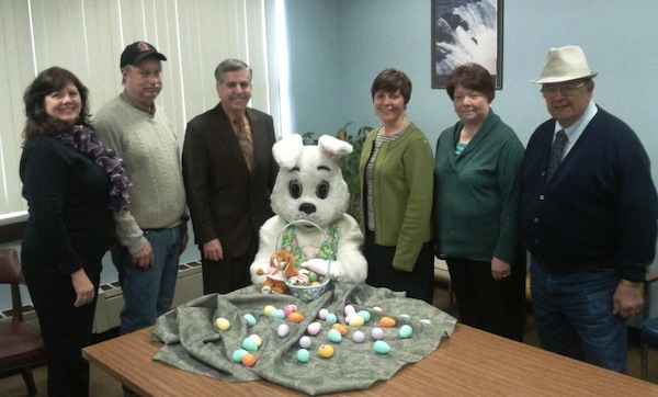 (Left to Right) Parks Commissioner Cindy DiNapoli, Parks Manager John Williams, Mayor Samuel Teresi, Easter Bunny, Recreation Coordinator Julia Ciesla-Hanley, Sertoma Club Member Cosmo DeMaio, Roberta Hess